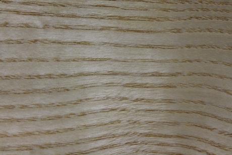 unbesäumtes Eschenholz