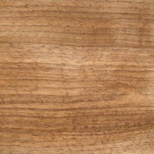 unbesäumtes, ungedämpftes Nussbaumholz